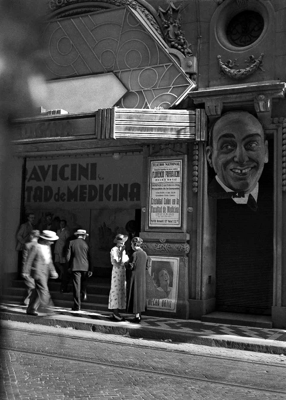 COPPOLA, Horacio, <i>Teatro Nacional calle Corrientes al 900</i>