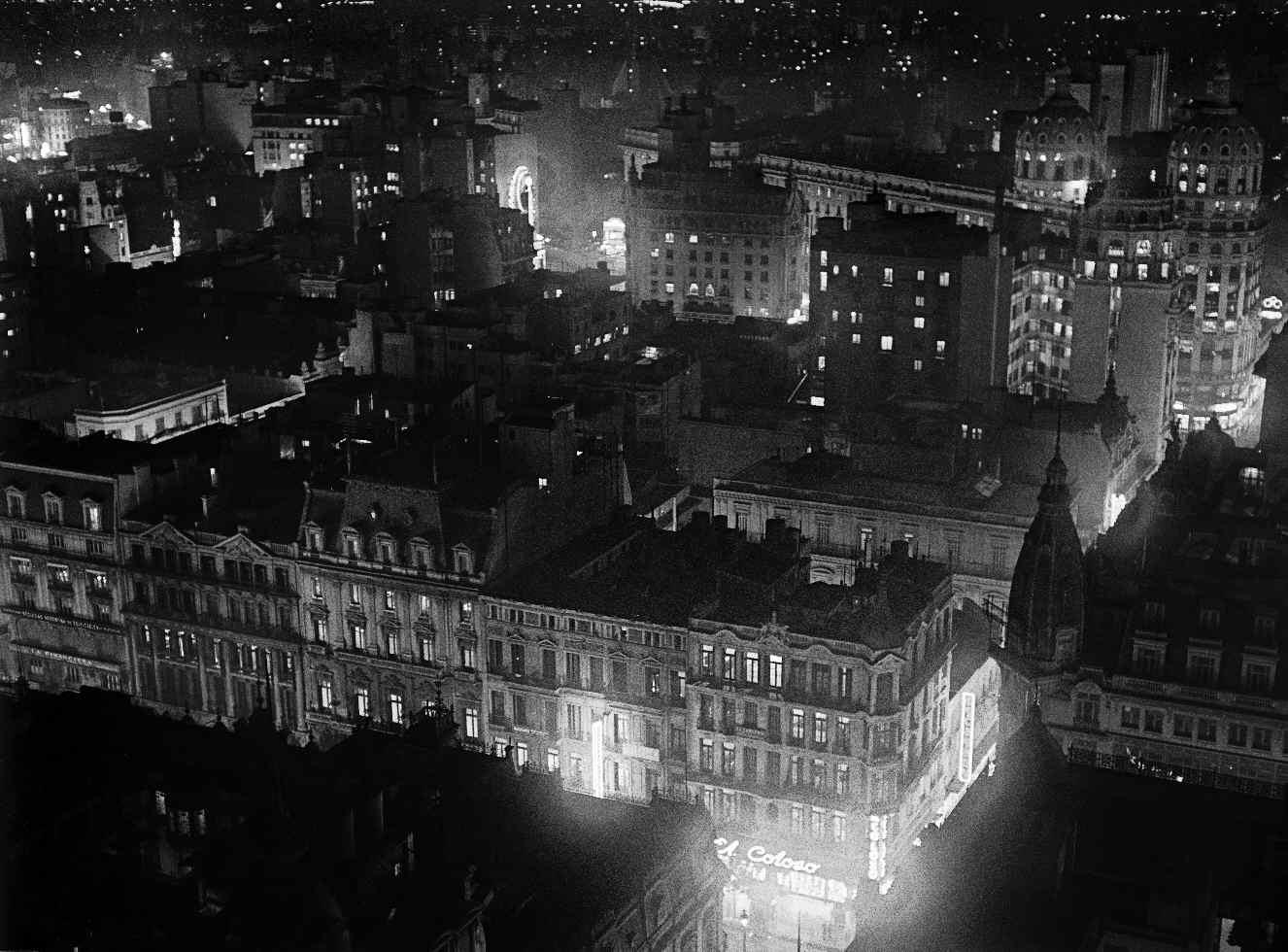 COPPOLA, Horacio, <i>Noche en la ciudad</i>