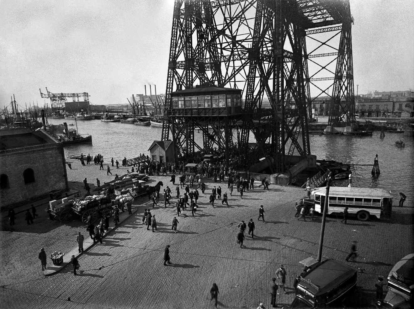 COPPOLA, Horacio, <i>Puente Almirante Brown</i>