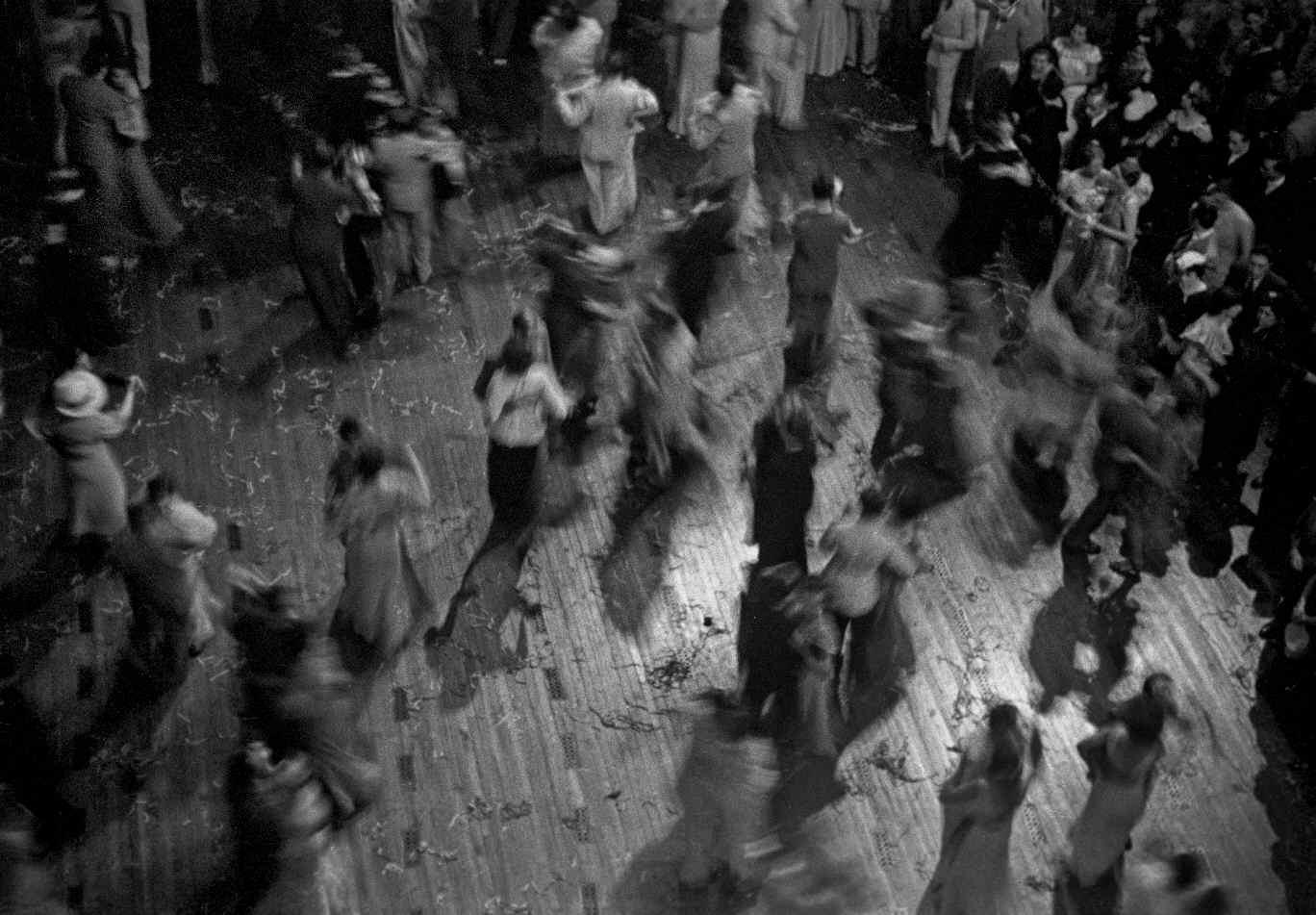 COPPOLA, Horacio, <i>Baile de carnaval en el Teatro Colón</i>