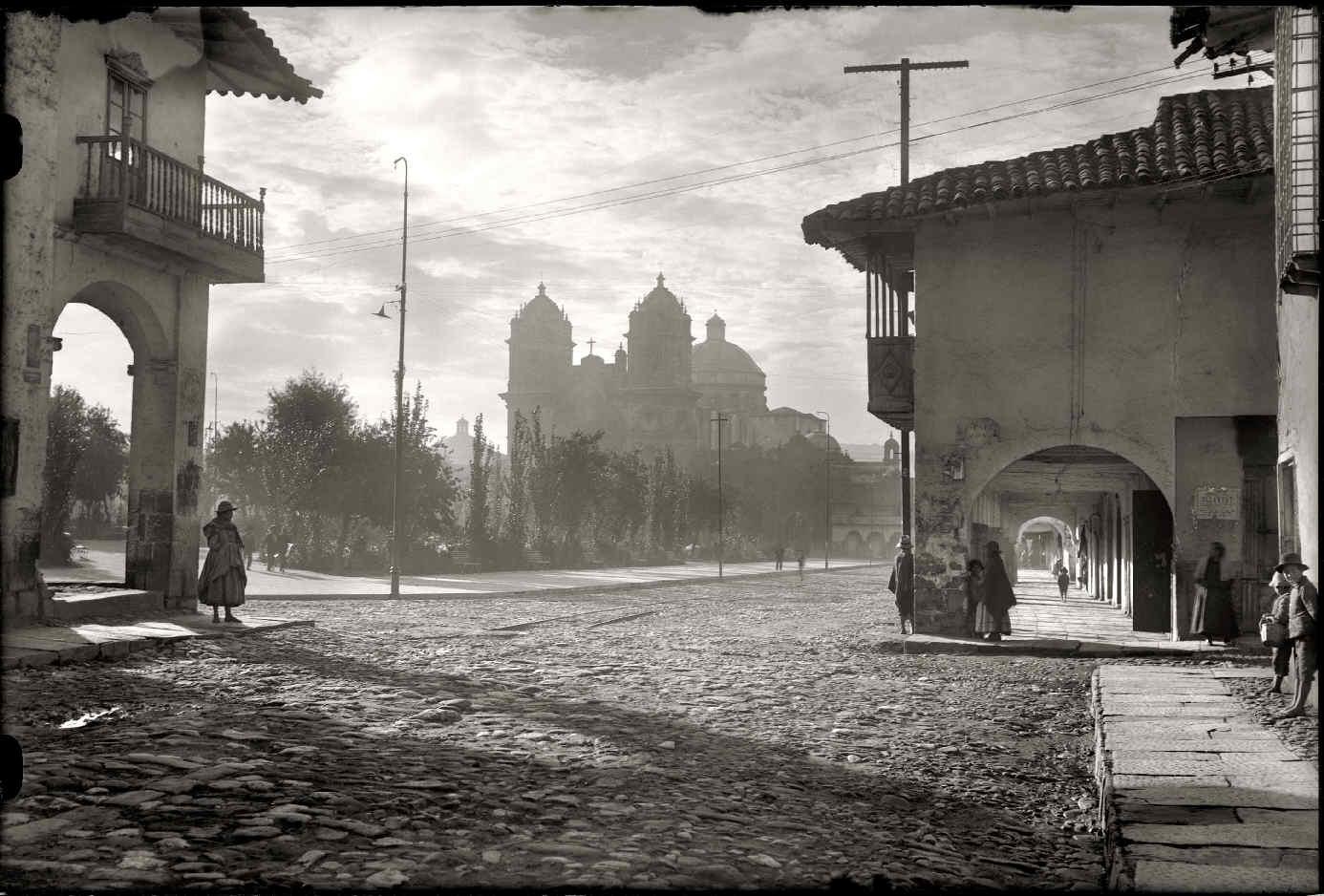 CHAMBI, Martín, <i>Amanecer en la Plaza de Armas</i>